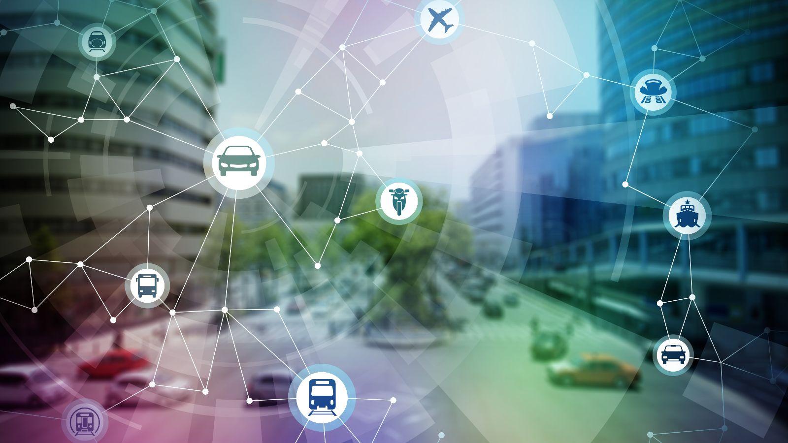 Verschiedene Mobilitätssymbole miteinander vernetzt im Vordergrund, im Hintergrund urbane Szene